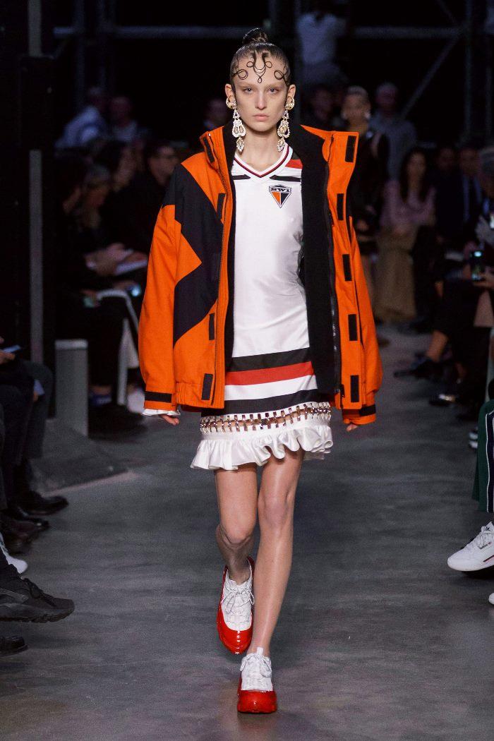 Модная куртка осень-зима 2019-2020 из коллекции Burberry