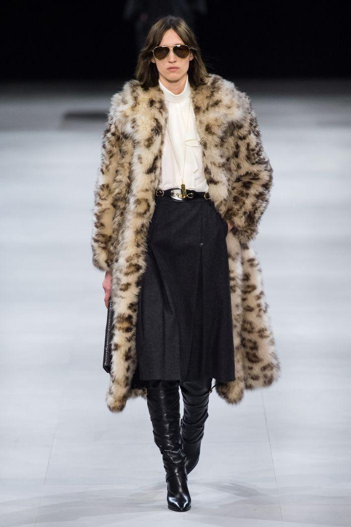 Модные шубы с леопардовым принтом Celine