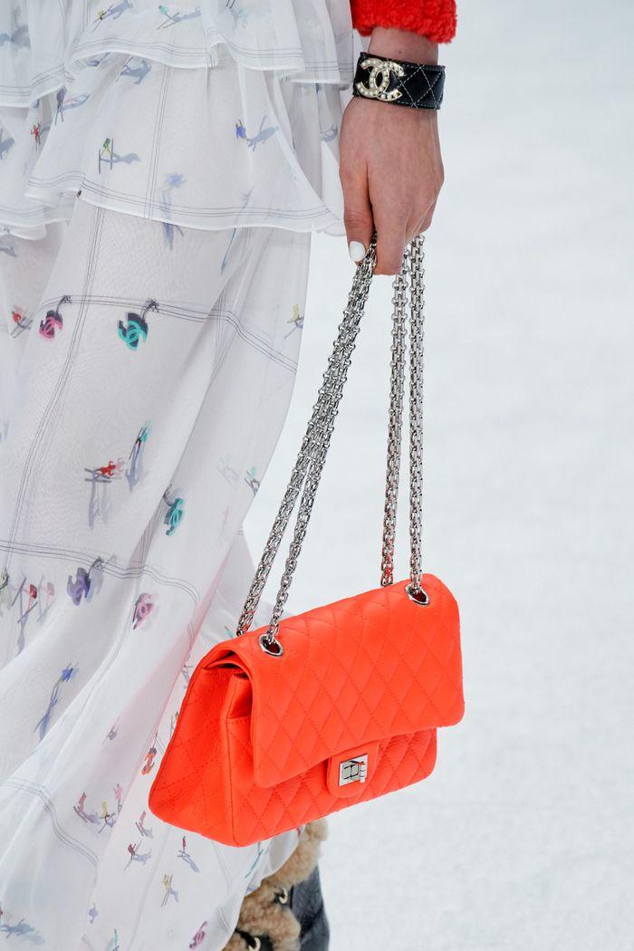 Модные цвета сумок. Коллекция осень-зима 2019-2020 Chanel