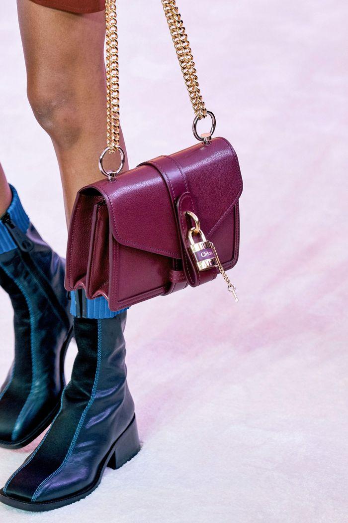 Модные сумки на цепочке Chloé