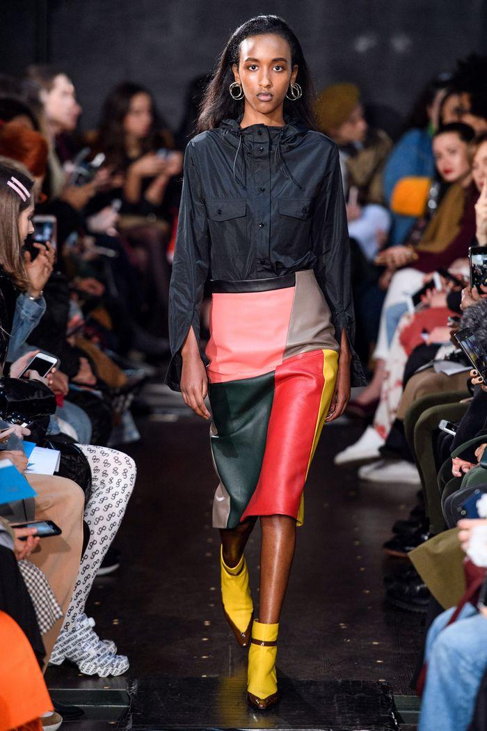 Модная кожаная юбка осень-зима 2019-2020 Eudon Choi