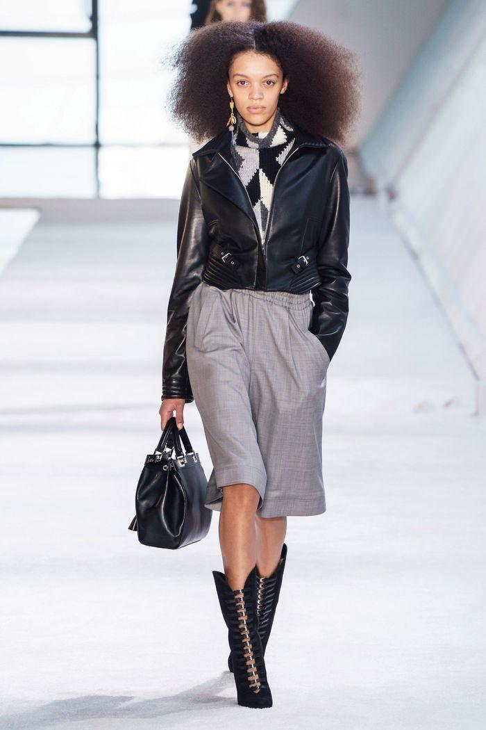 Модные укороченные брюки осень-зима 2019-2020 из новой коллекции Giambattista Valli