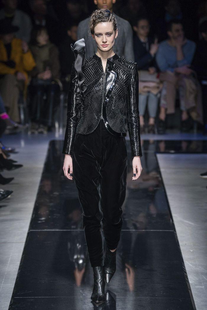 Модные брюки из бархата осень-зима 2019-2020 из новой коллекции Giorgio Armani