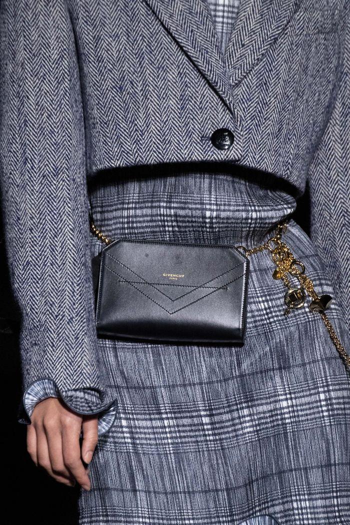Модные сумки на поясе Givenchy