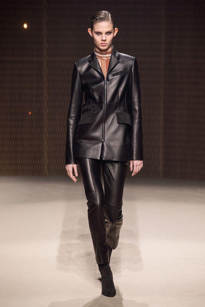 Модный кожаный пиджак из коллекции осень-зима Hermès