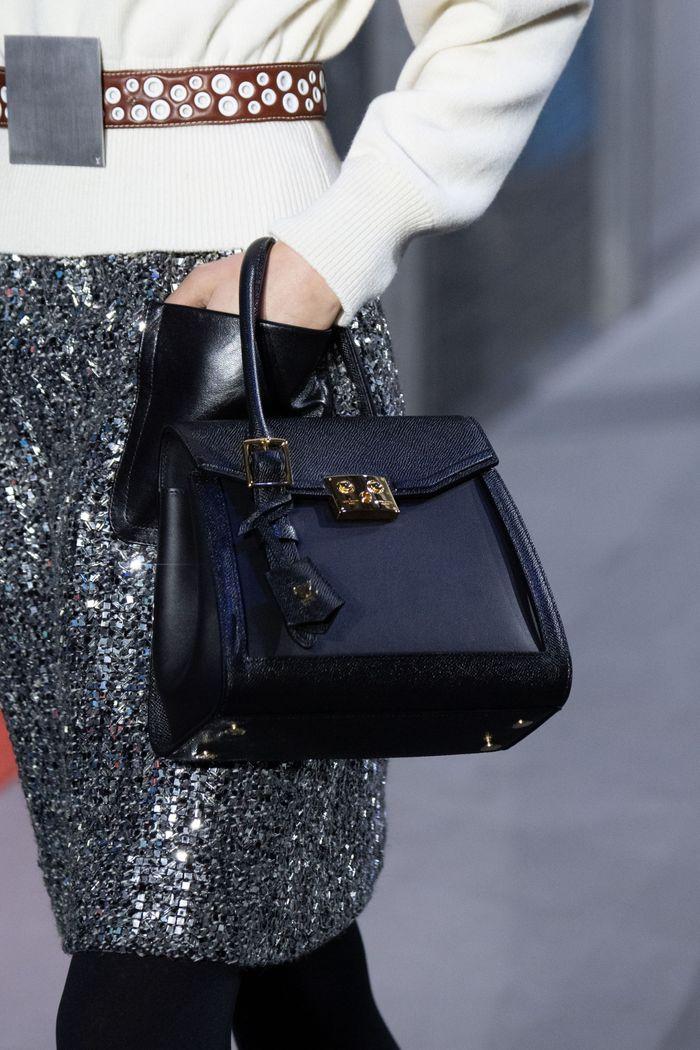 Классическая сумка тоут Louis Vuitton