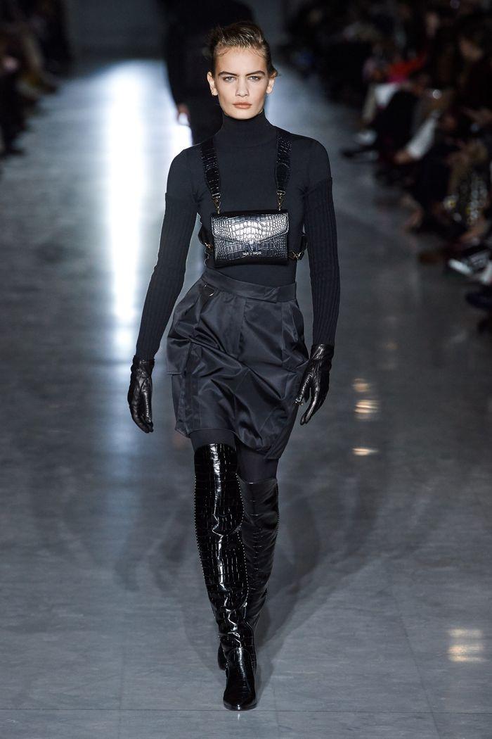 Что носить с короткой черной юбкой. Образ из новой коллекции Max Mara