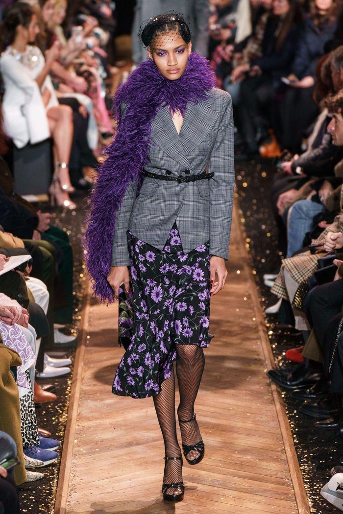 Модный пиджак с поясной сумкой из коллекции осень-зима Michael Kors Collection