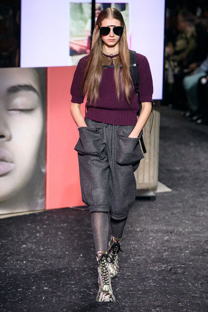 Модные укороченные брюки осень-зима 2019-2020 из новой коллекции Miu Miu