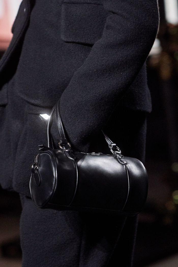 Модная сумка-цилиндр Miu Miu