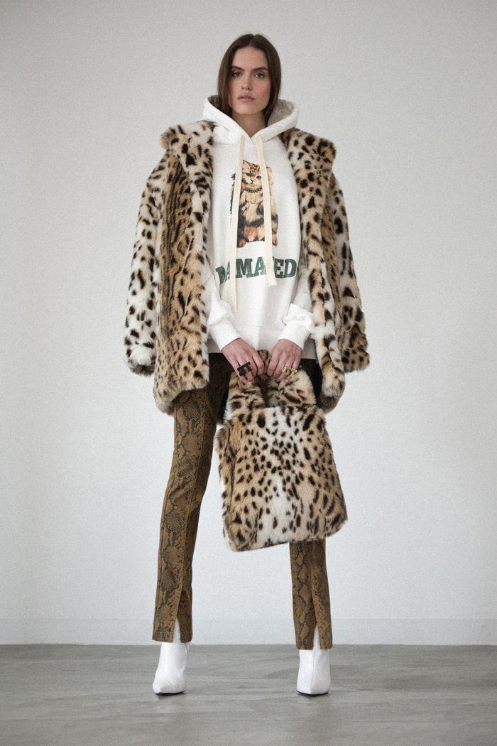 Модные шубы с леопардовым принтом Pam & Gela