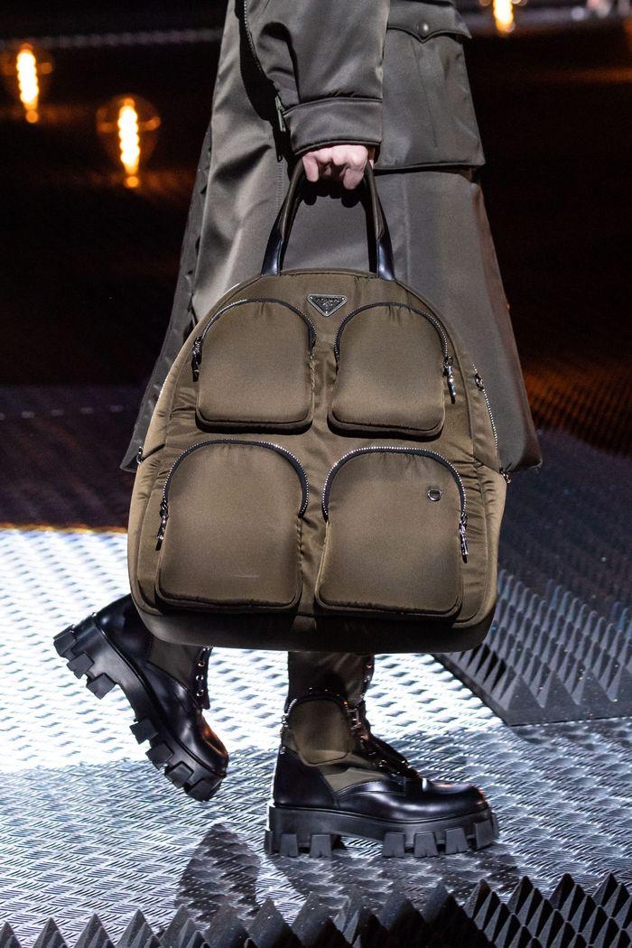 Модные сумки из курточной ткани Prada