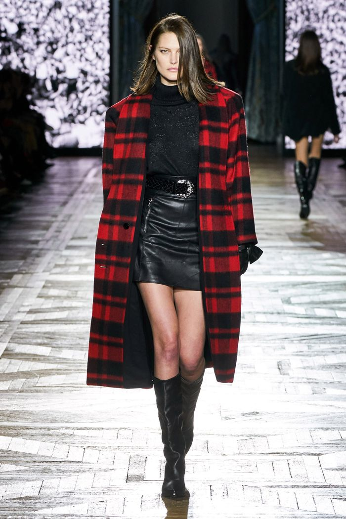 С чем носить черную юбку. Образ из коллекции Redemption