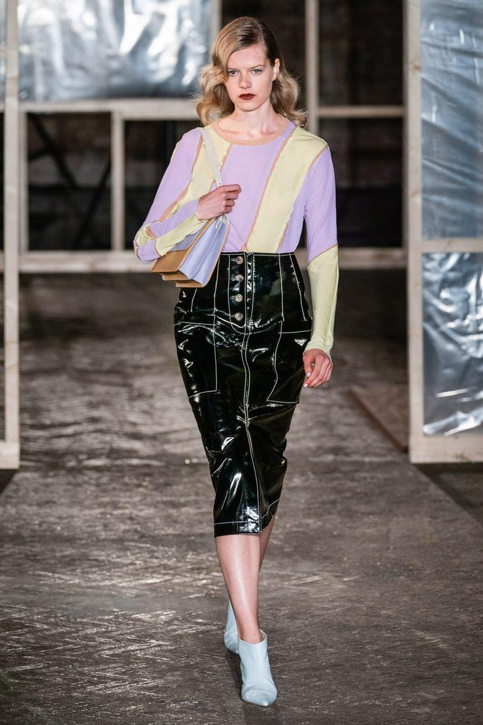 Модная виниловая юбка осень-зима 2019-2020 Rejina Pyo