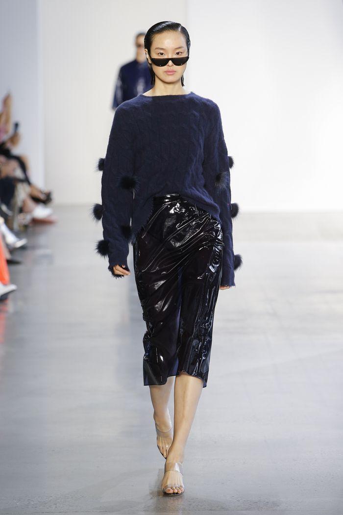 С чем носить черную юбку-карандаш. Образ из коллекции Sally LaPointe