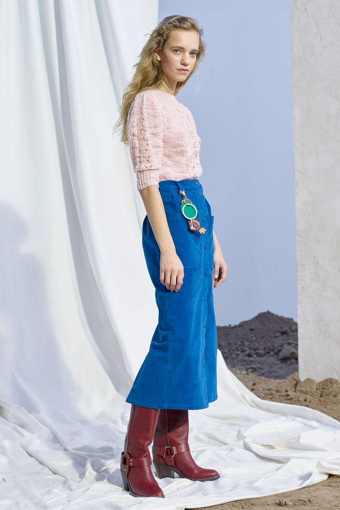 С чем носить синюю юбку. Образ из коллекции See by Chloé