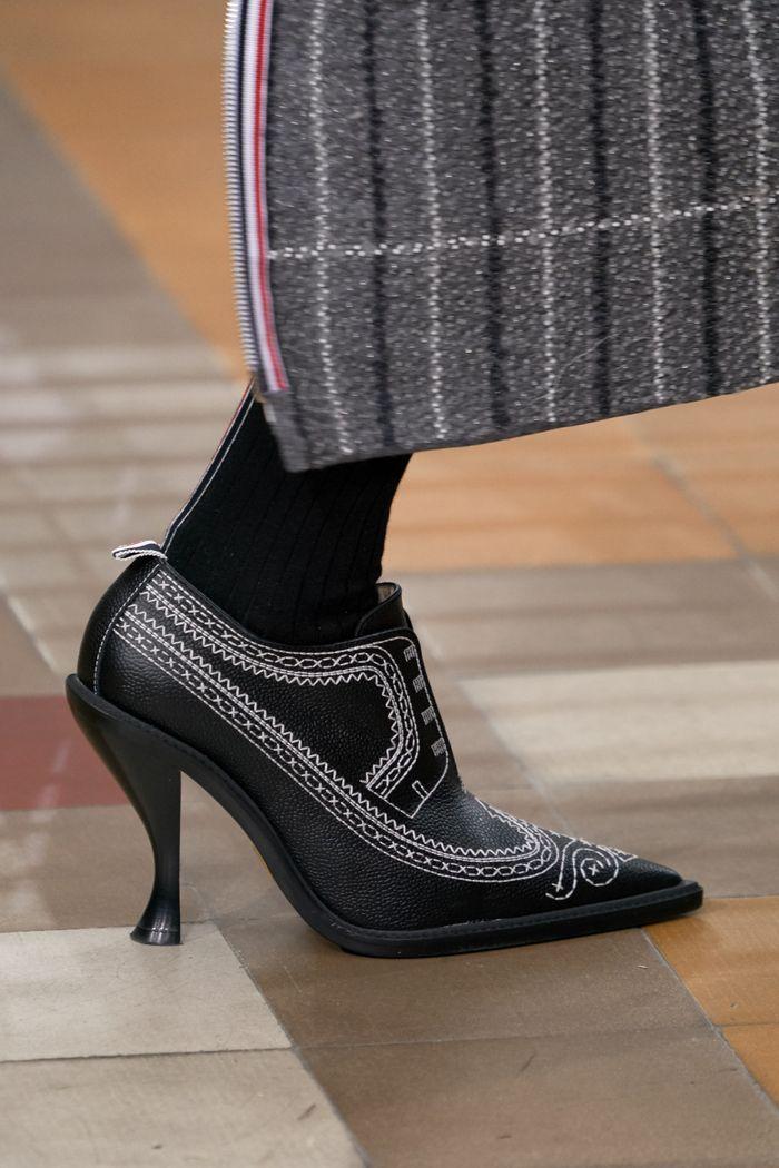 Модная обувь осень-зима Thom Browne