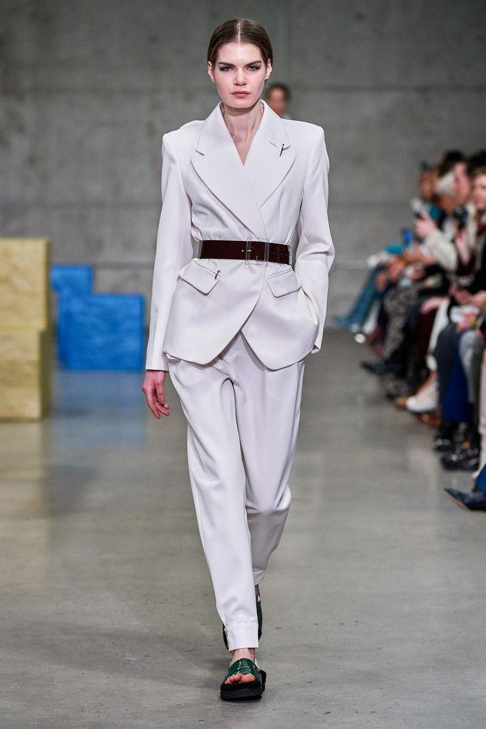 Модный пиджак с поясной сумкой из коллекции осень-зима Tibi