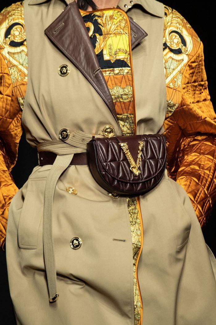 Модные поясные сумки Versace