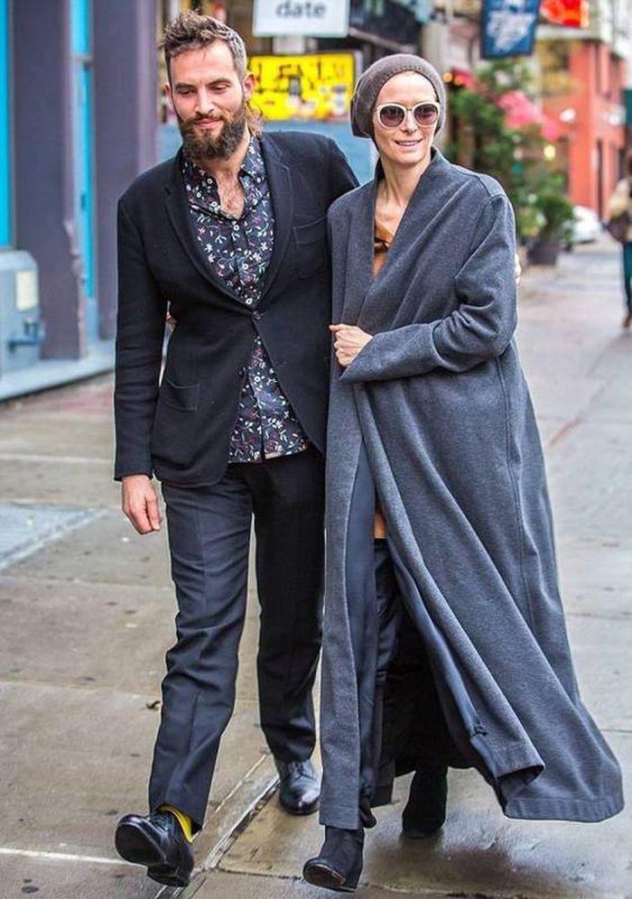 Образы Тильды Суинтон в модном пальто оверсайз