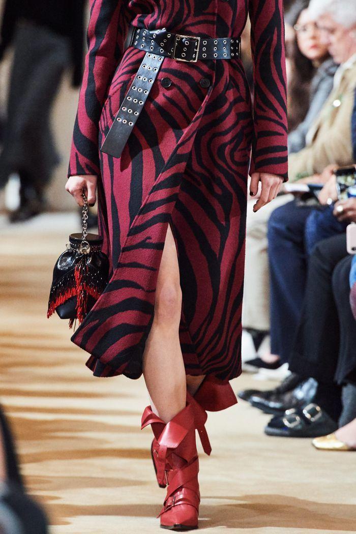 Модные красные сапоги осень-зима из коллекции Altuzarra