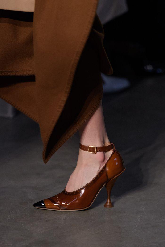 Модные туфли осень 2019. Коллекция Burberry
