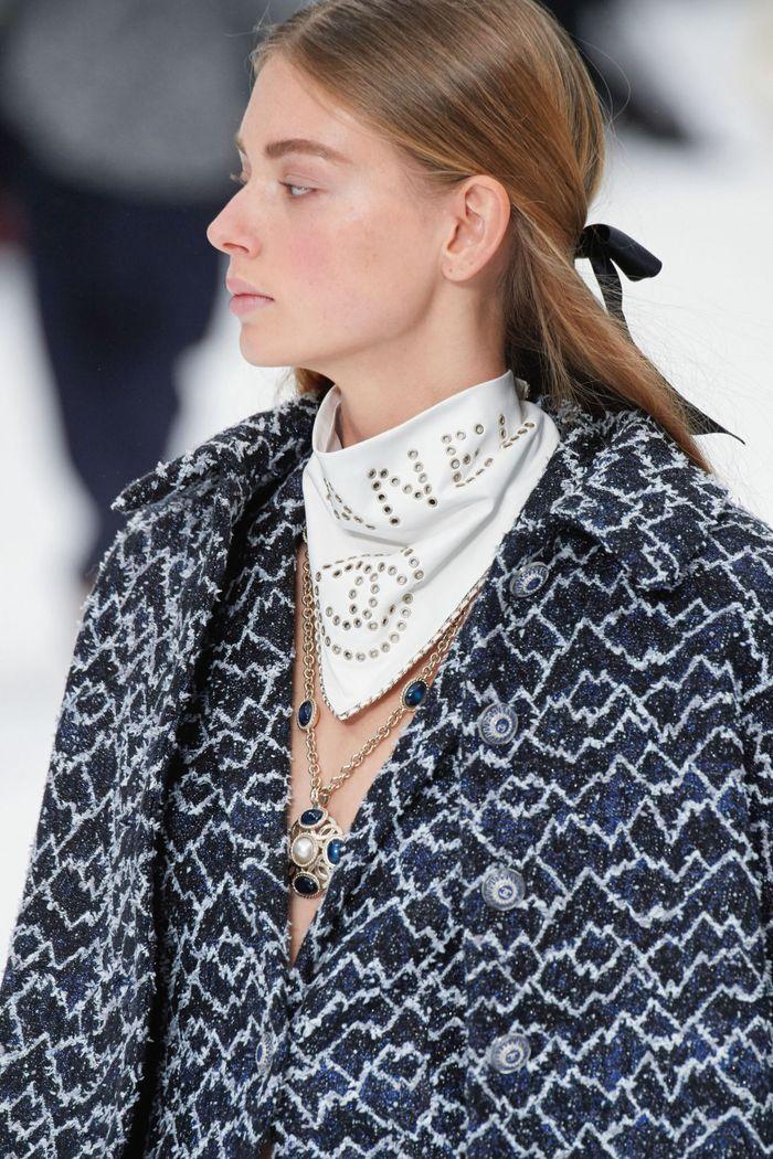 Модный аксессуар осень-зима 2019-2020 из коллекции Chanel