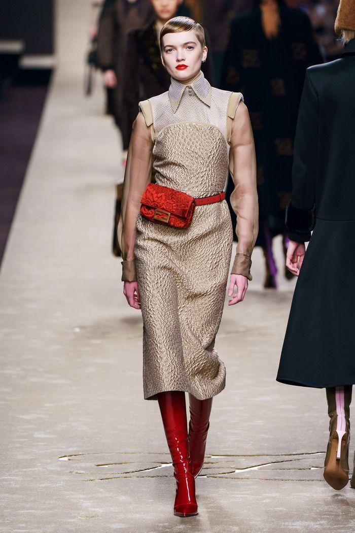 Модные красные сапоги осень-зима из коллекции Fendi