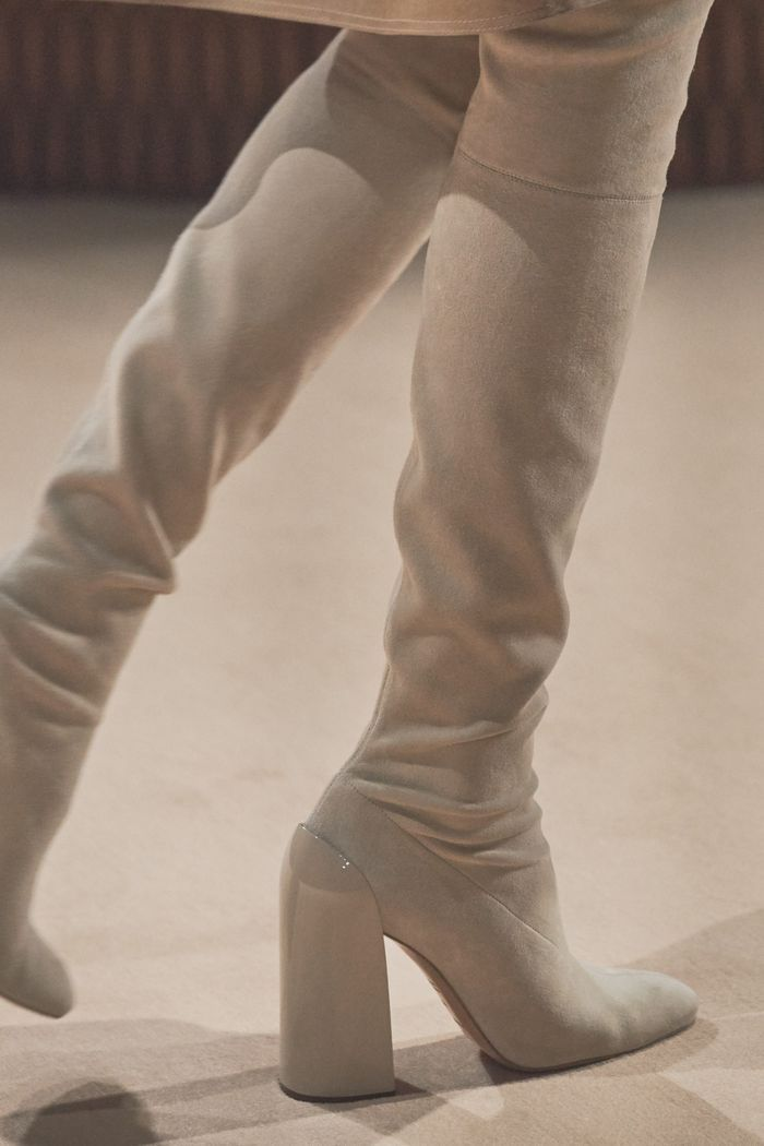 Модные замшевые сапоги осень-зима из коллекции Hermès