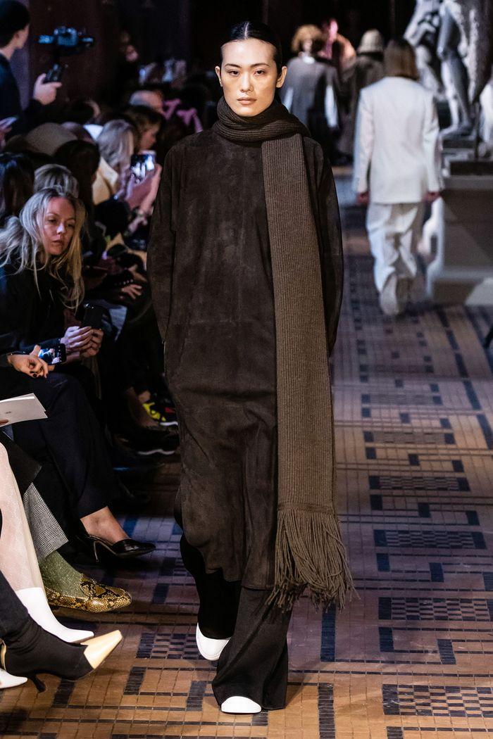 Модный аксессуар осень-зима 2019-2020 из коллекции Mark Kenly Domino Tan