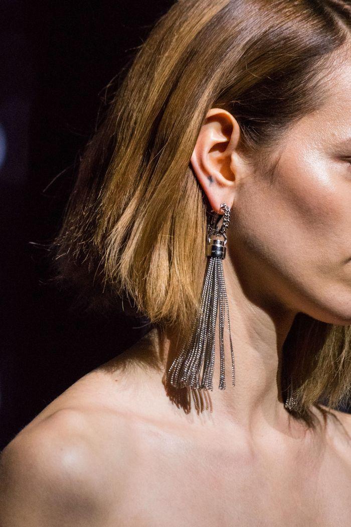 Модный аксессуар осень-зима 2019-2020 из коллекции Saint Laurent