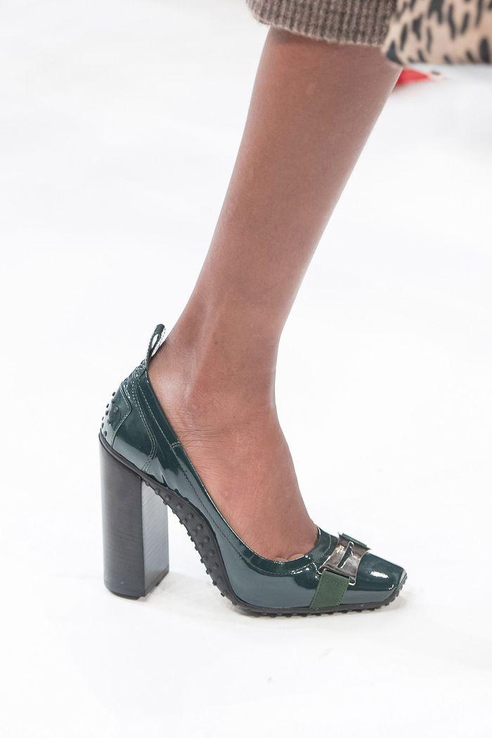 Модные туфли на осень из лаковой кожи. Коллекция Tods