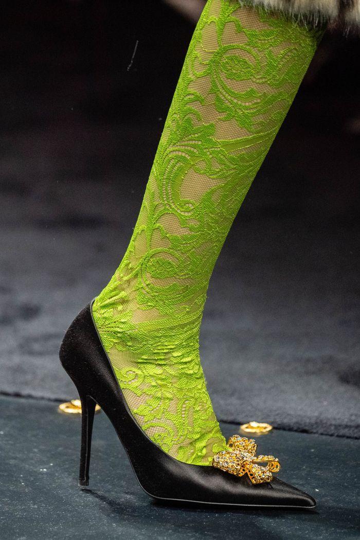 Модные туфли на осень. Коллекция Versace