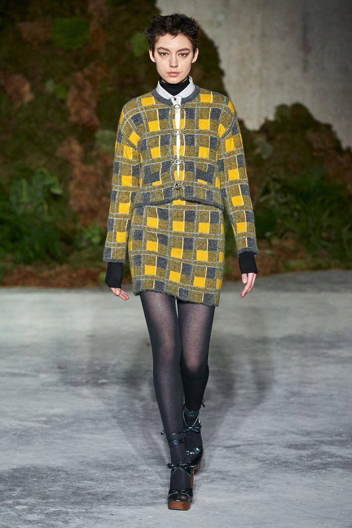 Модный желтый пиджак в клетку Alexaсhung