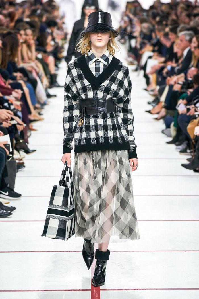 Модная юбка в черно-белую клетку Christian Dior