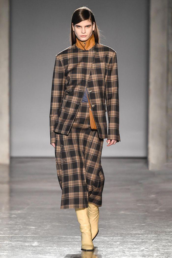 Модный коричневый пиджак в клетку Gabriele Colangelo