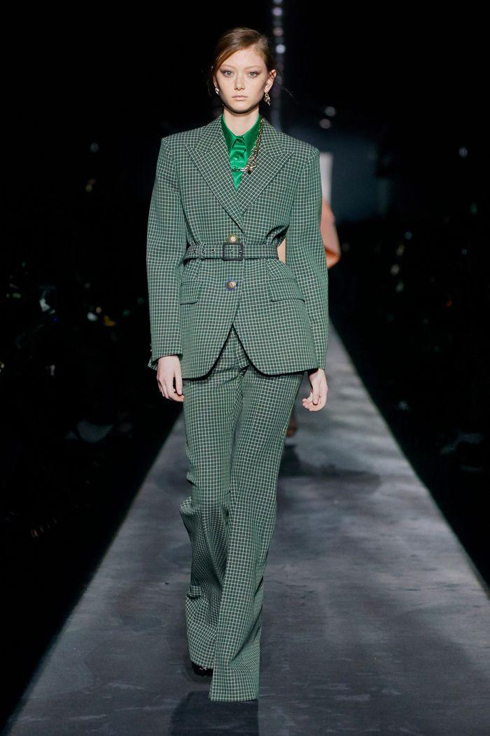 С чем носить зеленые брюки. Коллекция Givenchy