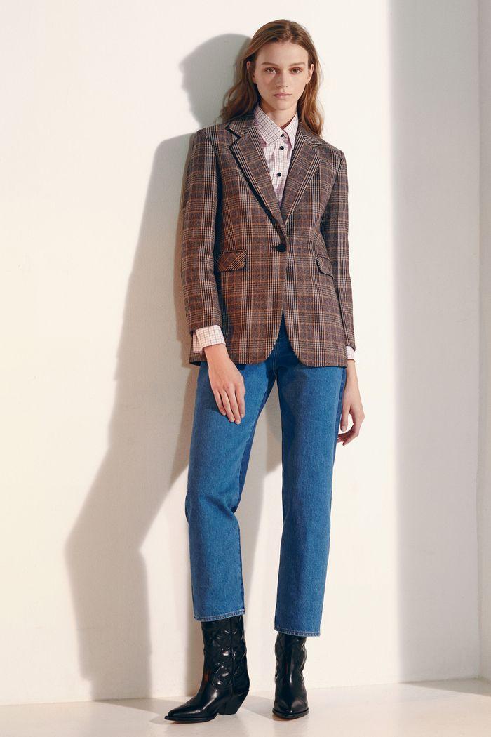 Модный коричневый пиджак в клетку Sandro