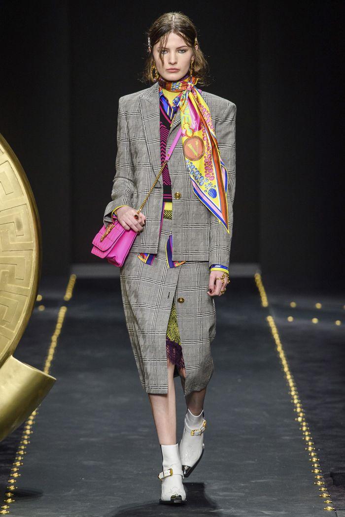 Модная серая юбка в клетку. Коллекция Versace