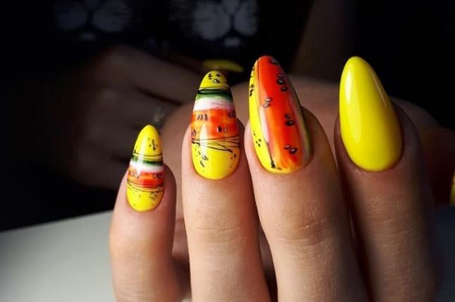 Дизайн ногтей с фруктами