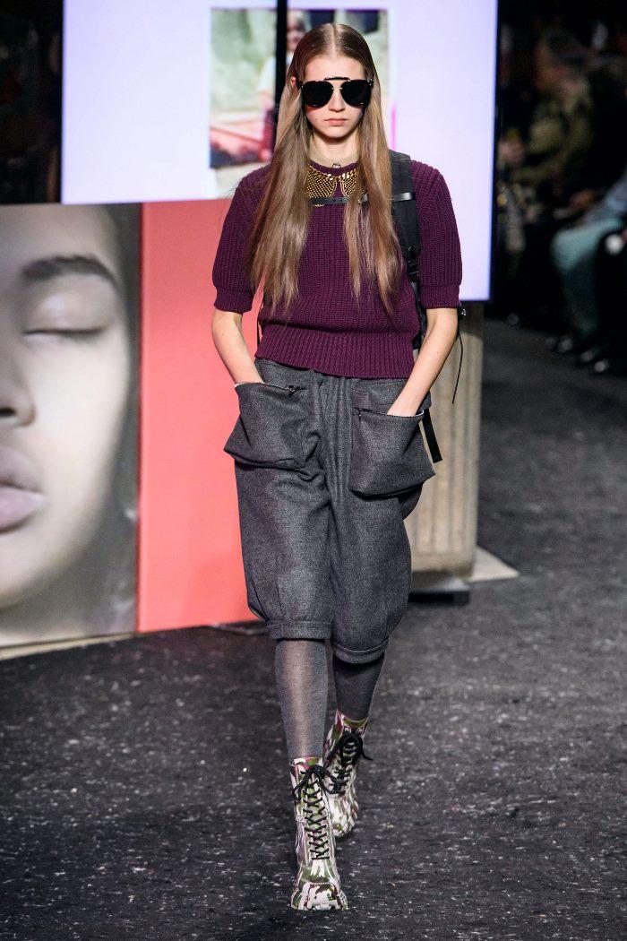 С чем носить женские ботинки милитари. Образ из новой коллекции Miu Miu