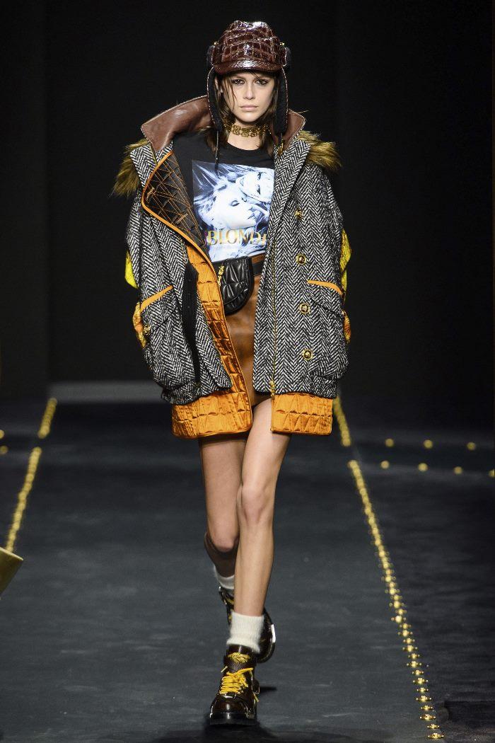 С чем носить женские ботинки на шнуровке. Образ из новой коллекции Versace