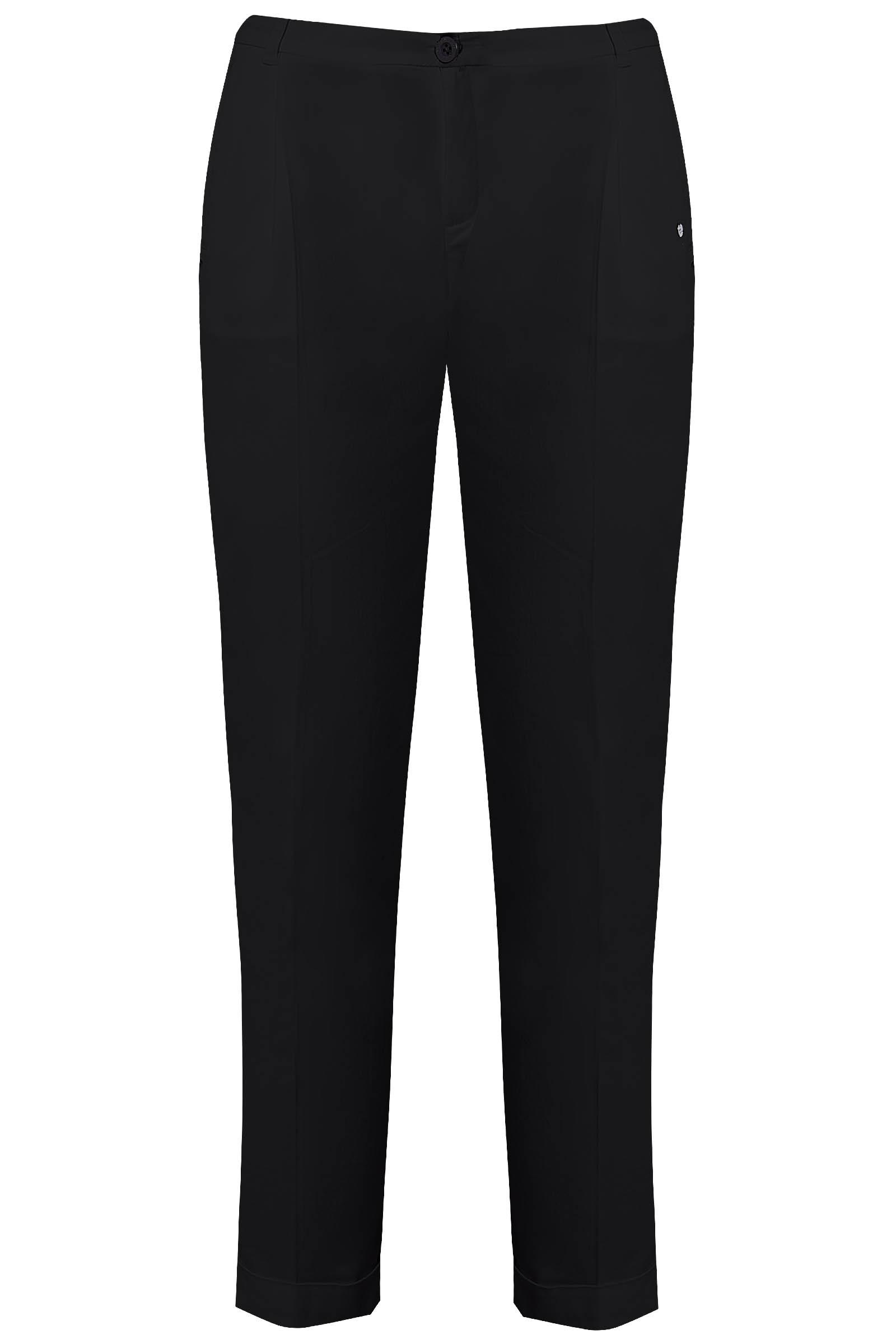 Черные брюки для базового гардероба