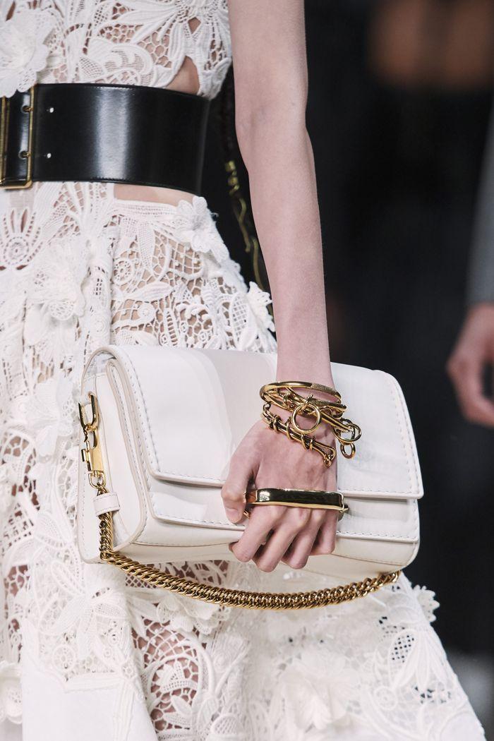 Модные сумки 2020 с цепью из коллекции Alexander McQueen