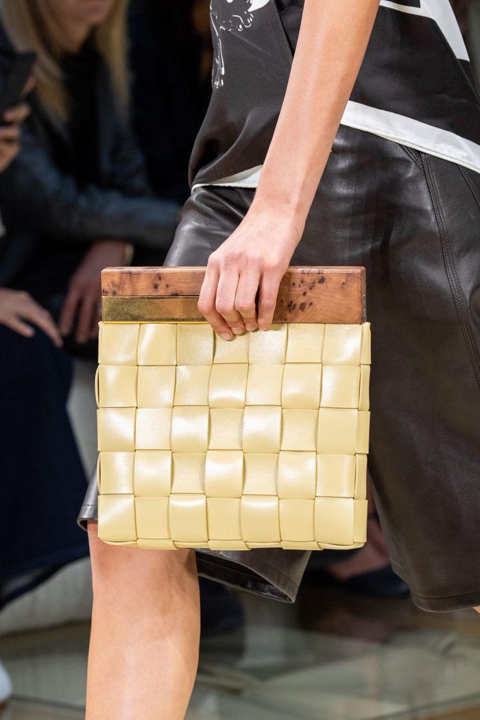 Модная плетеная сумка 2020 из коллекции Bottega Veneta