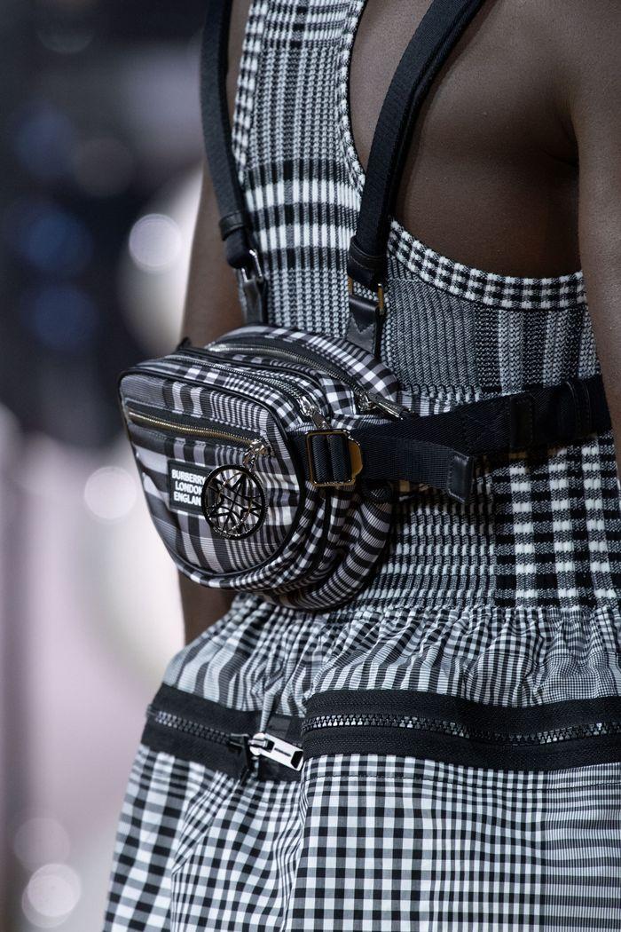 Модная поясная сумка 2020 из коллекции Burberry