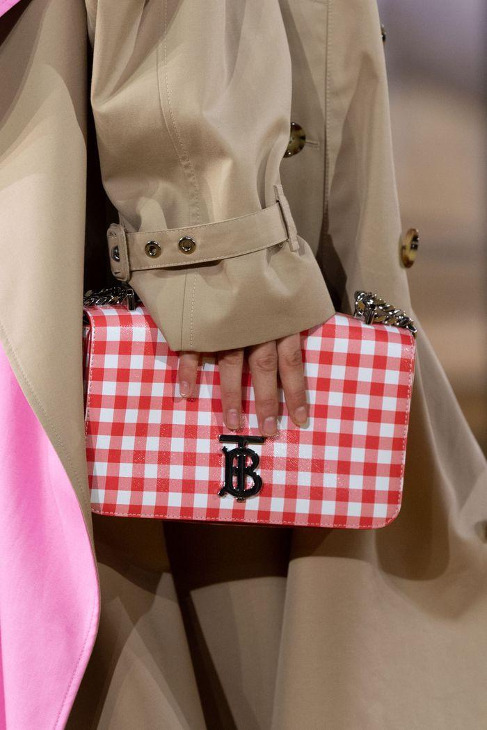 Модная сумка 2020 в клетку из коллекции Burberry