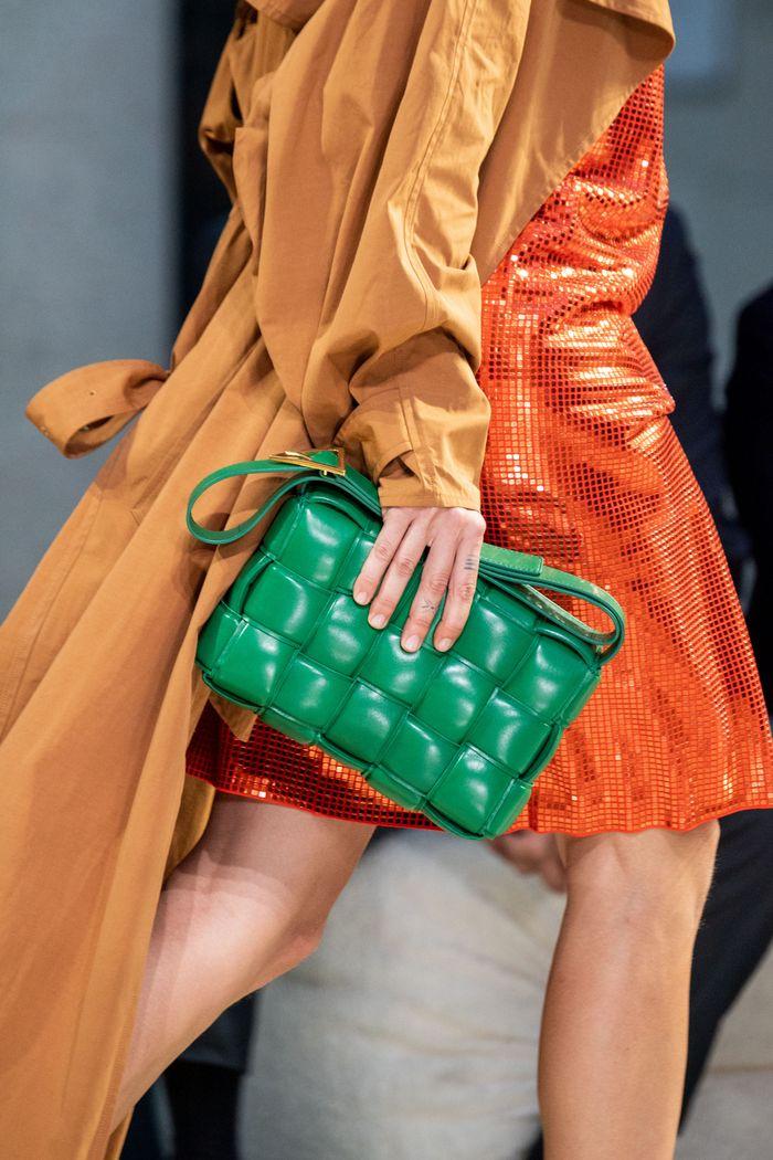 Модная форма сумки Burberry