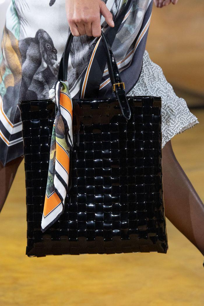 Модная плетеная сумка 2020 из коллекции Burberry