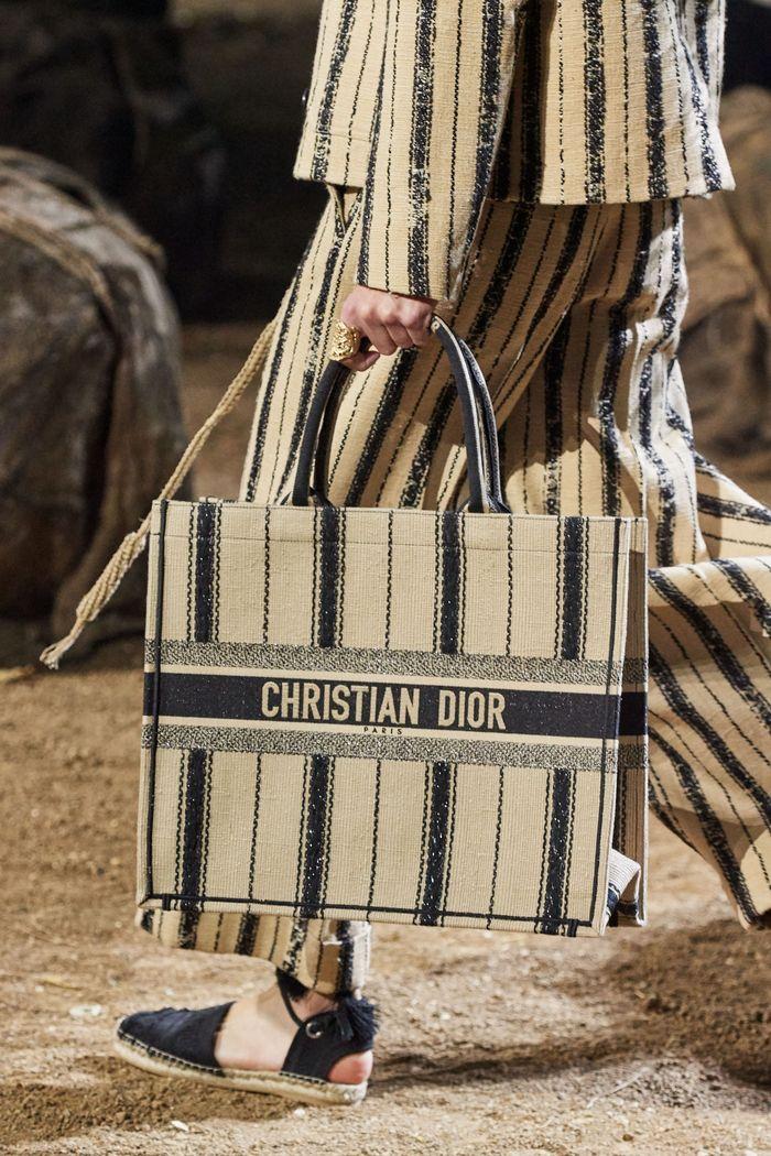 Модные сумки 2020 с цепью из коллекции Christian Dior